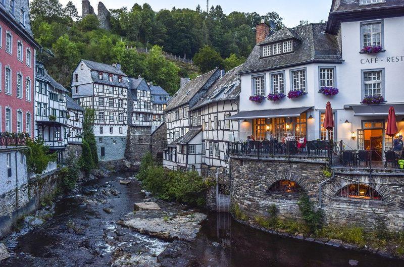 Duitsland Eifel vakwerkhuizen