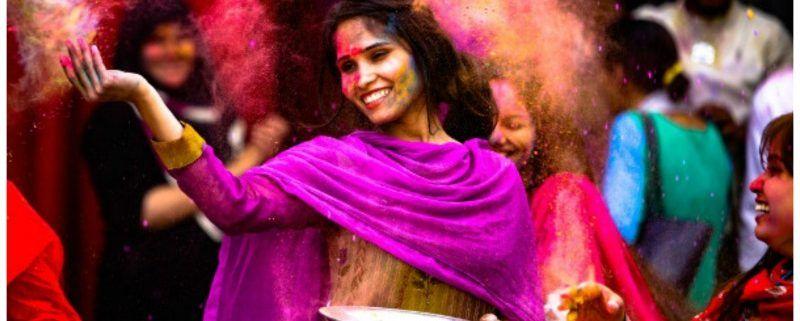 India schittert in alle weergaloze kleuren van de regenboog