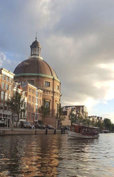 Amsterdam voor foodies Burgers & Hotdog Cruise Amsterdam Canal Cruises grachten