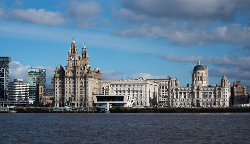 liverpool waterkant Liver building