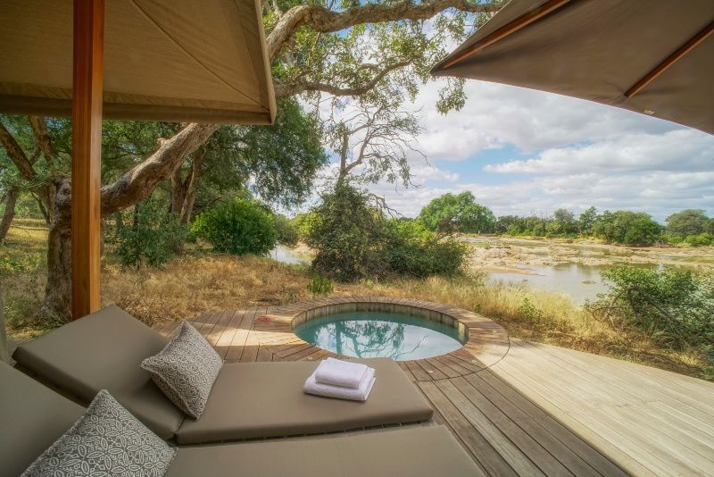 Koro-River-Camp-Botswana bedden The Africa Experience