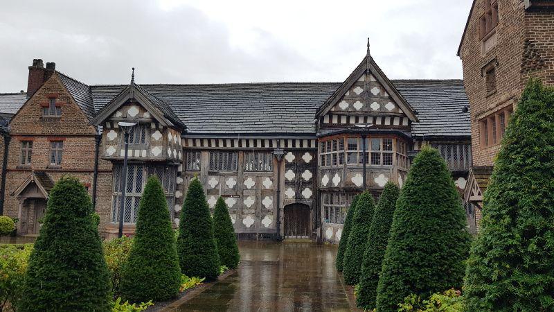 Manchester Taxi Tours Tudor house