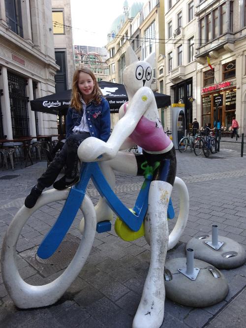 Brussel vanop de fiets kat strip belgië