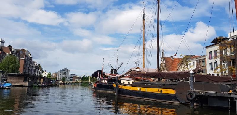Leiden vanaf het water oude haven