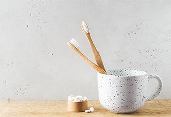 zero waste bamboe-tandenborstel-milieuvriendelijk-paper-and-boo