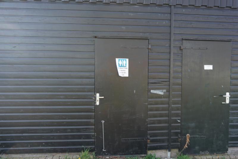 Kampeervlot de Heen Brabant Brabantse Wal Nederland camping-raft.com sanitair gebouw