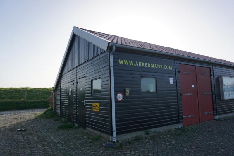 Kampeervlot de Heen Brabant Brabantse Wal Nederland camping-raft.com loods