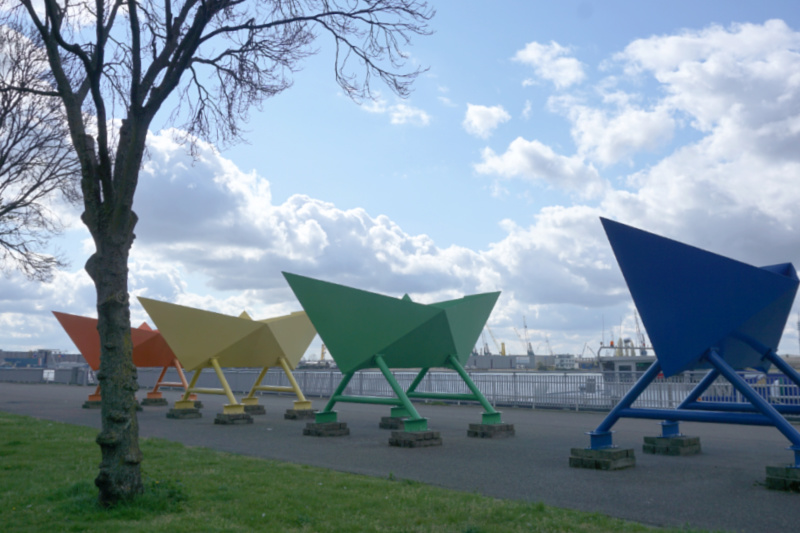 Vijf papieren boten (2010) Florentijn Hofman