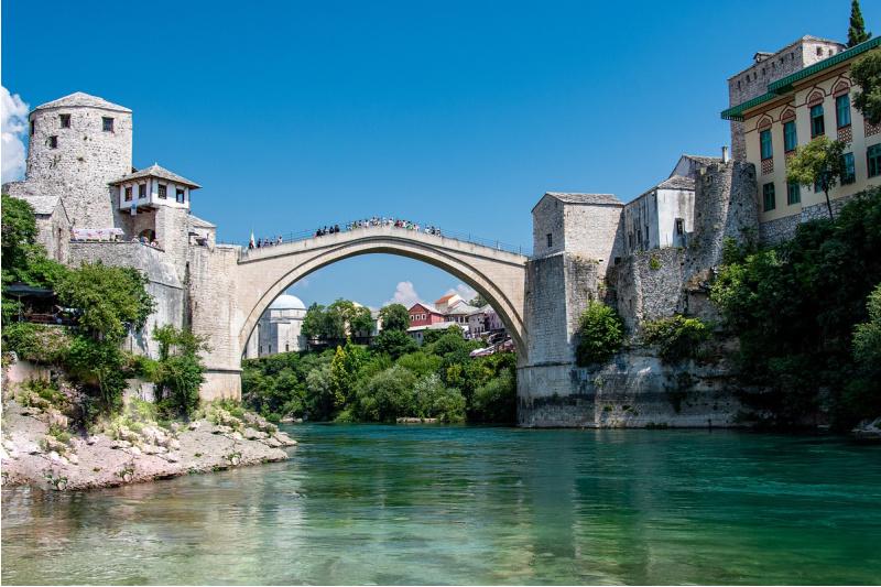 Bosnië en Herzegovina | Hoe reis je er met openbaar vervoer (naar toe)?