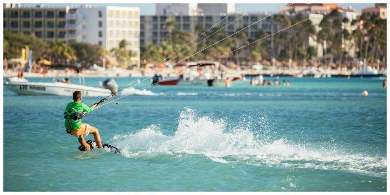 Aruba One Happy Island Kitesurfer Palm Beach
