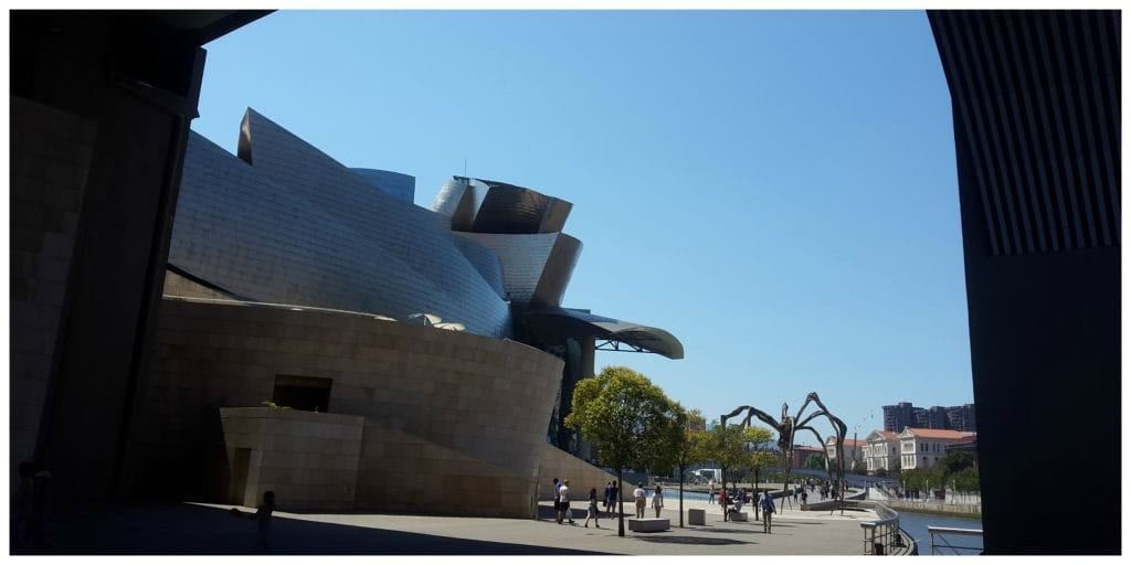 Baja Bikes Bilbao Guggenheim