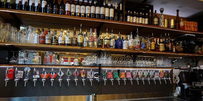 Bier drinken in Amsterdam Taproom tap