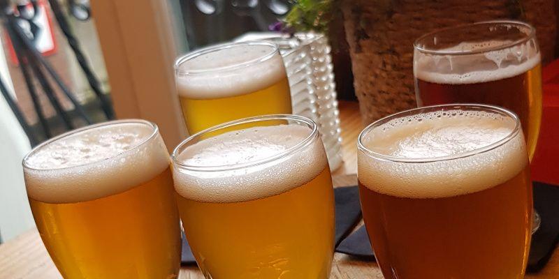 Bier drinken in Amsterdam proefplankje