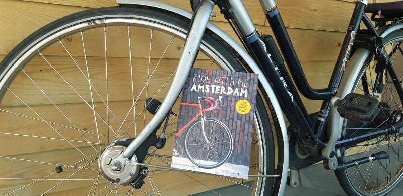 Ride with me Amsterdam – lokale fietsgids en een ode aan de stad