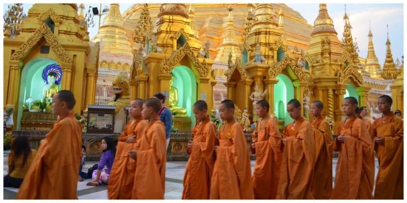 Highlights Myanmar Yangon Shwedogon monniken