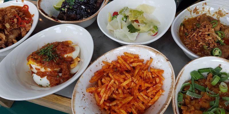 Ron Gastrobar Indonesia Downtown Nederland rijsttafel