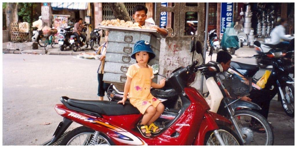 Vietnam meisje scooter